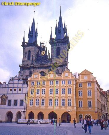 Edifício na Praça da Cidade Velha/Building at Old Town Square/ Der Altstädter Ring Staromestske namesti