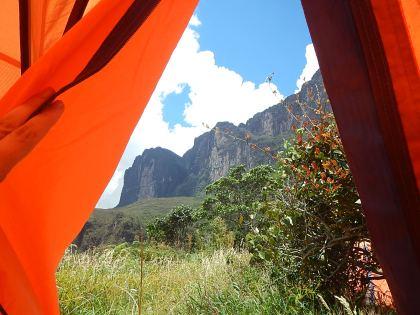 A beleza da paisagem a partir da tenda onde acampamos.