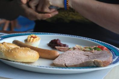 Bretzel, salsicha e fleiskäse, típica comida alemã