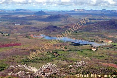Vista das serras a partir do Mirante do Canto, Martins