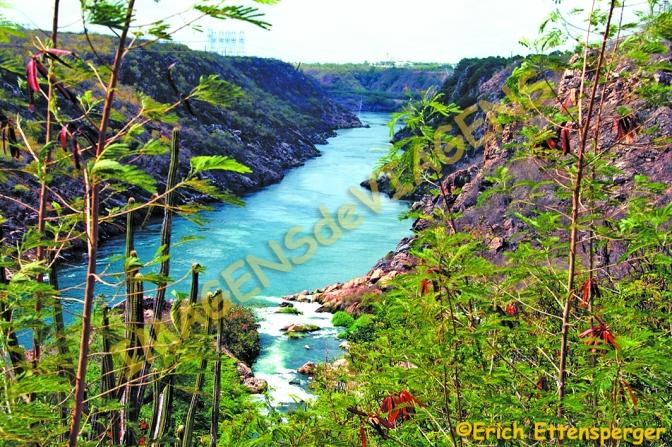 Complexo Hidrelétrico de Paulo Afonso, a força das águas/Das Paulo Afonso Wasserkraftwerk – die Kraft des Wassers/The Paulo Afonso hydroelectric plant – the power of water