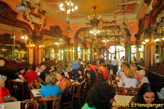 O belo interior do Café Majestic/Das schöne Innere des Café Majestic/The beautiful interior of the Café Majestic