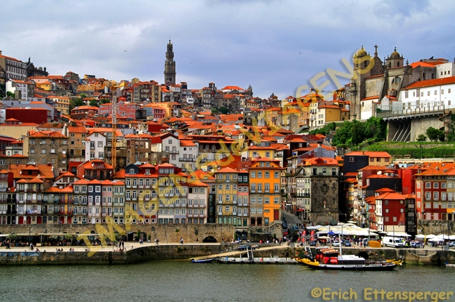 O conjunto arquitetônico do centro histórico de Porto/Das architektonische Ensemble des historischen Zentrums von Porto/The architectural ensemble of the historic center of Porto