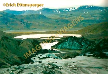 Em uma geleira/auf einem Gletscher/on a glacier