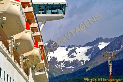 As montanhas, a neve e o navio / Die Berge, Schnee und das Schiff / The mountains, snow and the ship