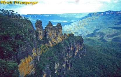 "As ""Três Irmãs"" nas Montanhas Azuis / Die ""Drei Schwestern"" in den Blue Mountains / The ""Three Sisters"" in the Blue Mountains"