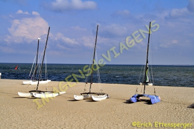 Barcos de vela na praia/klleine Segelboote am Strand/small sail boats at the beach