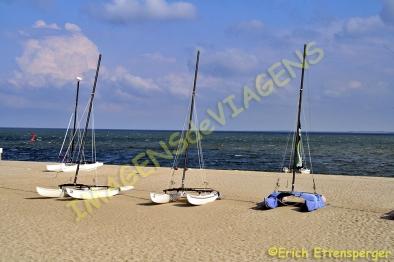 Barcos de vela na praia/klleine Segelboote am Strand/small sail boats at the beach