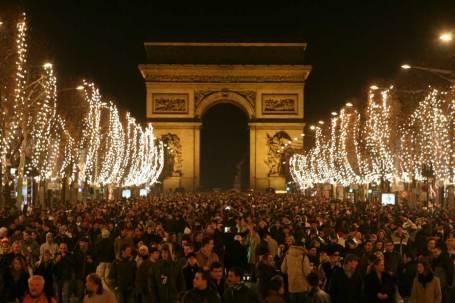 Paris. Fonte/source:http://www.dicasparis.com.br/2015/06/reveillon-em-paris-franca.html