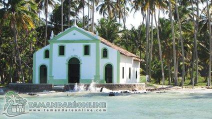Igreja de Carneiros/Carneiros Kirche/Church of Carneiros Beach. Fonte/source: http://www.praiadetamandarecarneiros.com/tamandare_carneiros_fotos.html