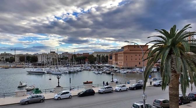 Bari, a simpática cidade italiana/Bari – die freundliche italienische Stadt/Bari – the friendly Italian city