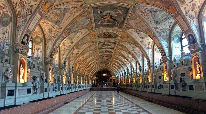 Palácio Residenz em Munique, para quem quer se deliciar com a arte europeia/Das Residenzschloss in München, für diejenigen, die sich der europäischen Kunst hingeben möchten/The residential palace in Munich, for those who want to indulge in European art
