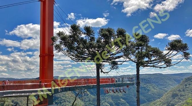 Skyglass, a maior plataforma de vidro do mundo/Skyglass – die größte Glasplattform der Welt/Skyglass – the  largest glass platform in the world